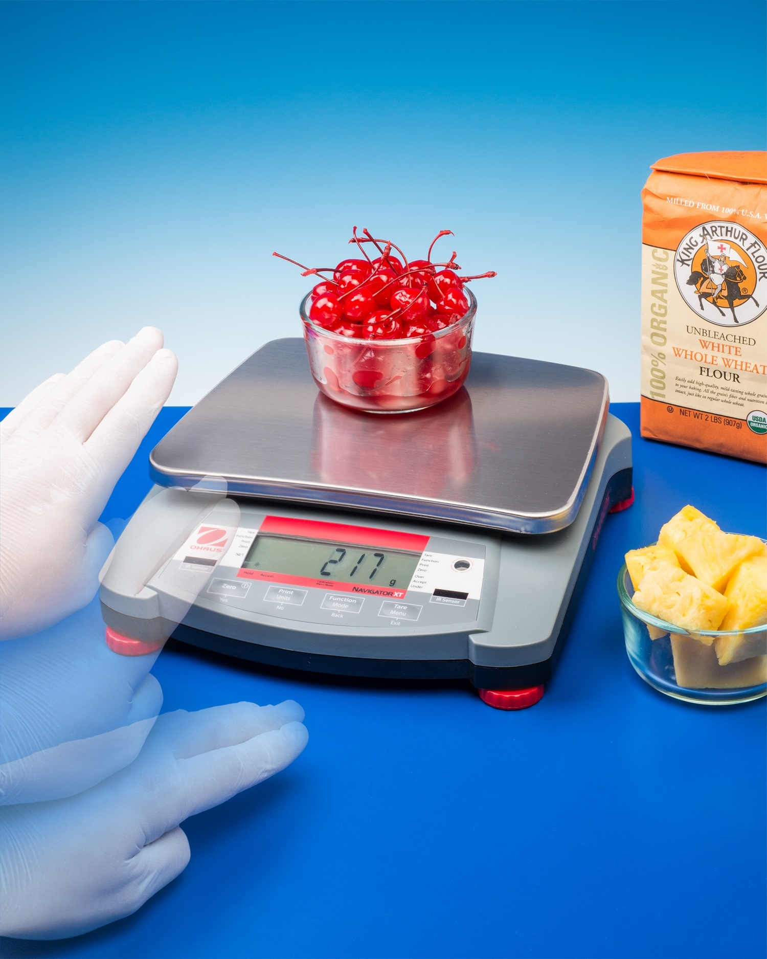 PORTABLE SCALE - TOUCH-FREE FOR FAST WEIGHING